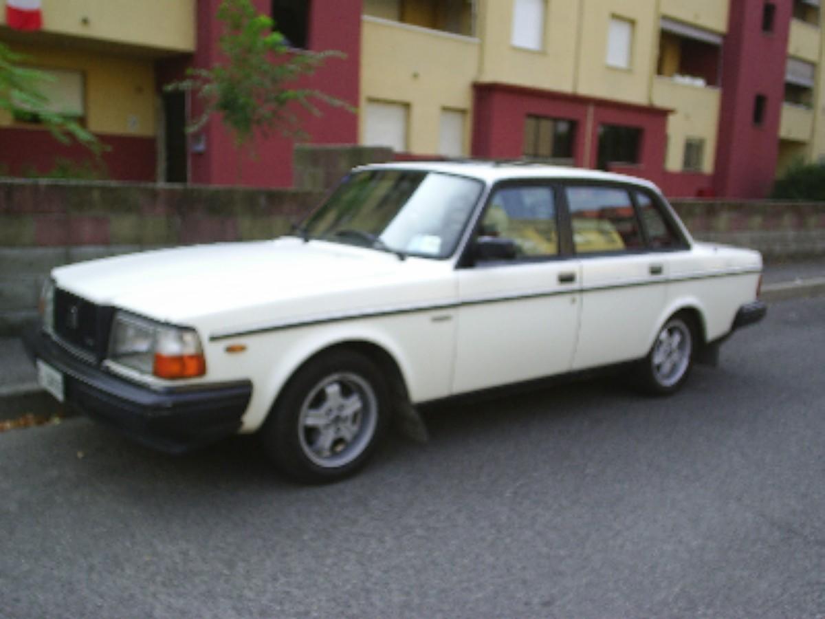 For sale VOLVO 244 GLEs Turbo