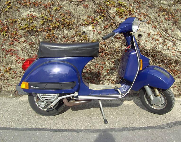 vespa px 125 bleu