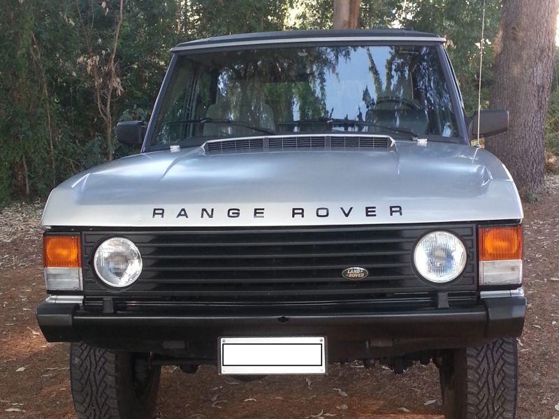 Rover 3500 auto e moto d 39 epoca storiche e moderne for Land rover tarbes garage moderne