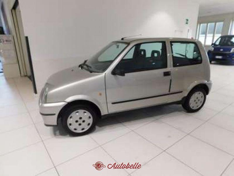 PARAURTI ANTERIORE VERNICIATO si adatta per FIAT 500l dal 04//2012